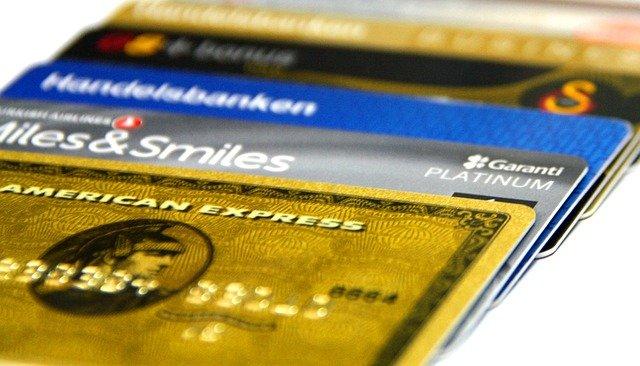 прекратить обслуживание счета в банке