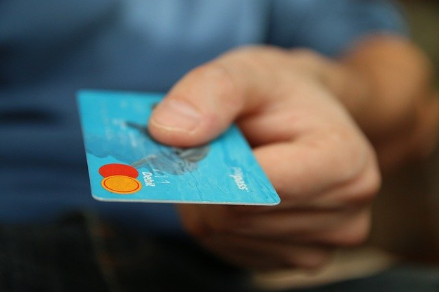 блокировка зарплатной карты причины